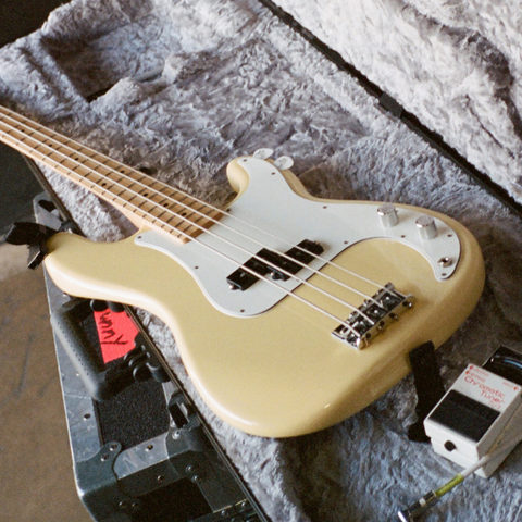 fender player precision bass